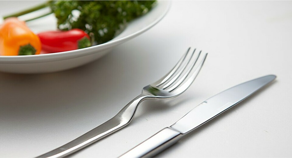 HEAD UP FLATWARE